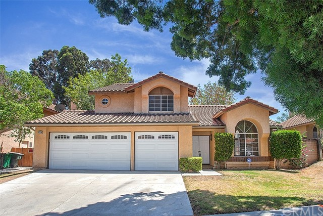 Photo of 984 Ashford Circle, Corona, CA 92881