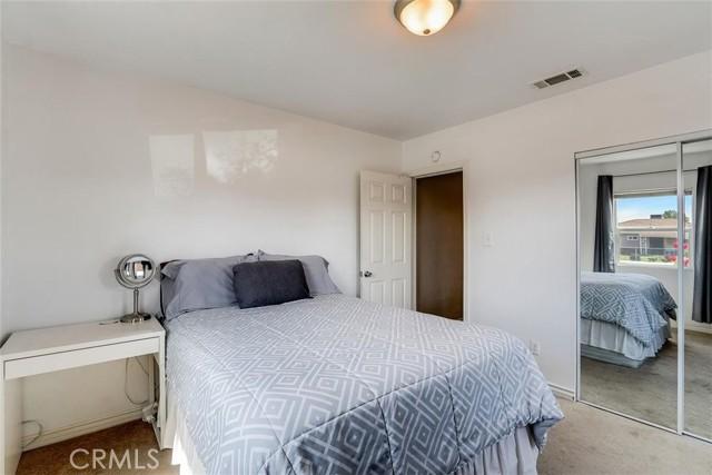 440 W Randall Avenue, Rialto CA: http://media.crmls.org/medias/ef99f6de-b18f-405d-818e-4157368bffba.jpg