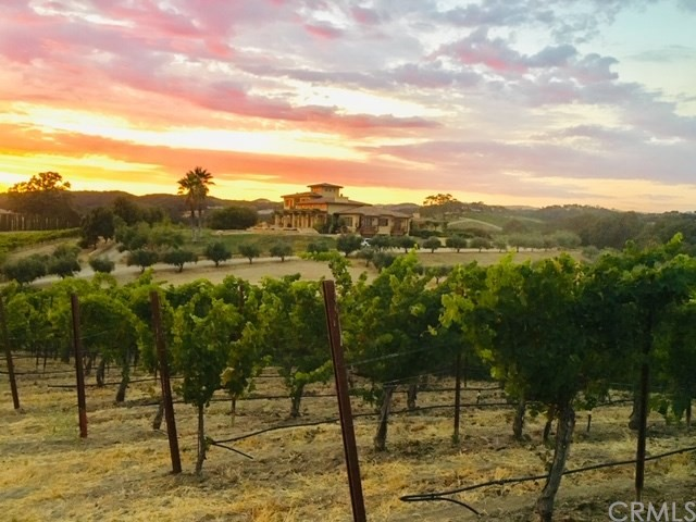5170  Vineyard Drive, Paso Robles, California