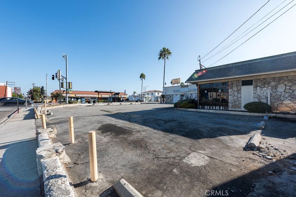 Additional photo for property listing at 2400 Artesia Boulevard Redondo Beach, California,90278 United States