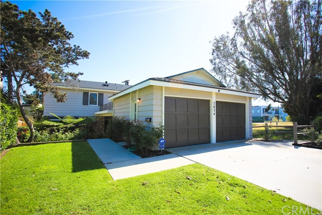 Single Family Home for Rent at 7834 83rd Street W Playa Del Rey, California 90293 United States