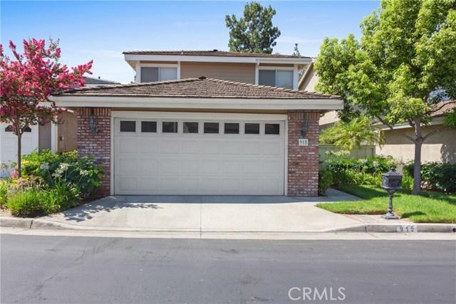 915 S Ridgecrest Circle, Anaheim Hills CA: http://media.crmls.org/medias/efb92001-15fc-4e91-947f-dad5909f9908.jpg