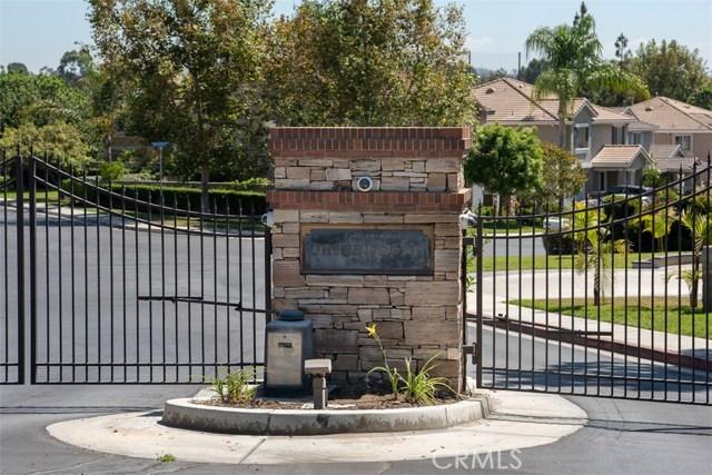 1256 Coach House Court, Fullerton CA: http://media.crmls.org/medias/efbb4b1f-1747-41a4-bb92-d1add2be3cd8.jpg