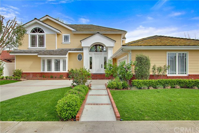 Single Family Home for Sale at 12142 Ballantine Drive Rossmoor, California 90720 United States
