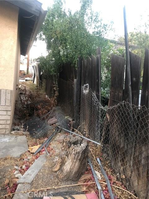 950 Beverly Road, Corona CA: http://media.crmls.org/medias/efcf72ec-90ce-4dc5-8e55-12a184dad1d0.jpg