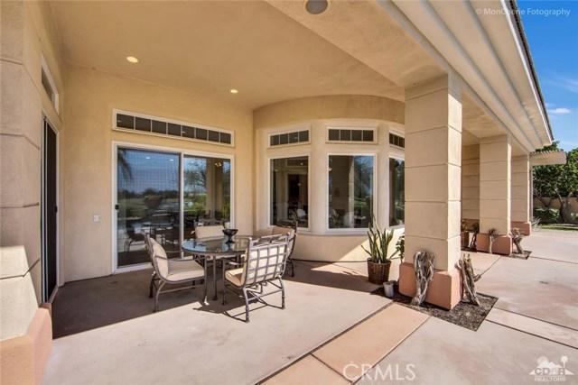 5 Via Bella, Rancho Mirage CA: http://media.crmls.org/medias/efd2b176-8673-48be-a31a-2667ae46654b.jpg
