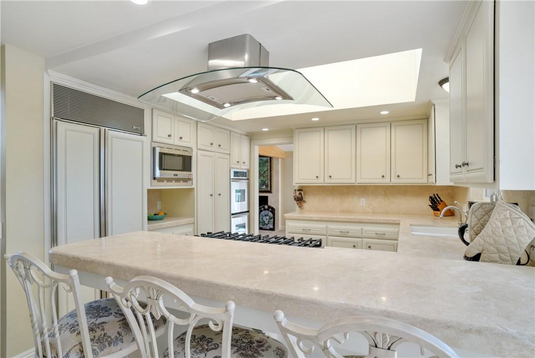 18 Ranchview Road, Rolling Hills Estates CA: http://media.crmls.org/medias/efe812e8-c4e9-43d6-9e8c-c3cce0048630.jpg