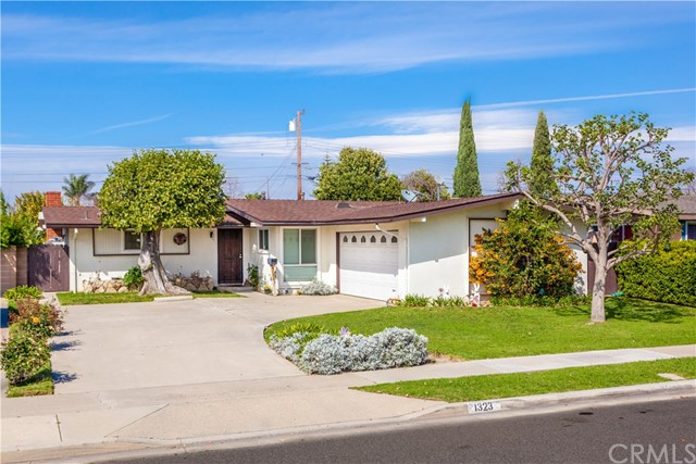 Single Family Home for Sale at 1323 Castle Avenue W Anaheim, California 92802 United States