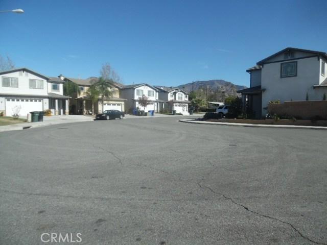 26172 Barnes Court, Highland CA: http://media.crmls.org/medias/efffb10a-a630-4974-9445-1184692d02d2.jpg