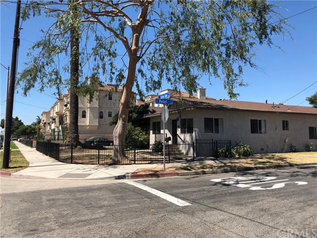 11027 Old River School Road, Downey CA: http://media.crmls.org/medias/f00580f1-ee07-4097-bb21-c2ba010652f2.jpg