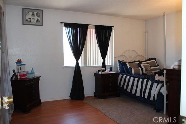 435 E Camden Street, Glendora CA: http://media.crmls.org/medias/f013fa6d-e9c4-4b88-9b33-b0a03963db0a.jpg