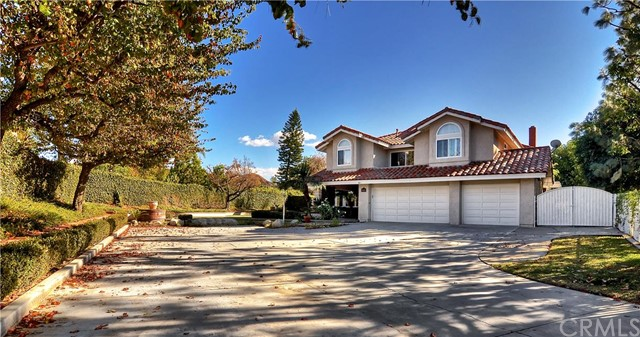 Single Family Home for Sale at 1825 Orange Park St Orange, California 92867 United States