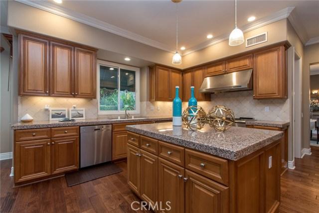 10694 Rockhurst Avenue, North Tustin CA: http://media.crmls.org/medias/f035ffd1-9549-430e-9cb0-b995afa7b795.jpg