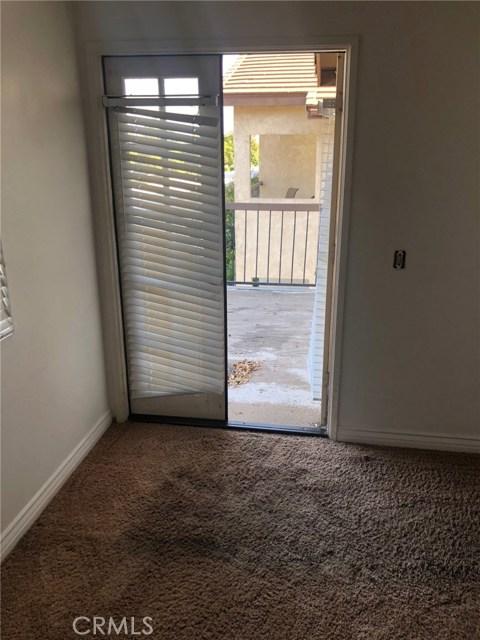 3274 Little Mountain Drive, San Bernardino CA: http://media.crmls.org/medias/f03827ac-ca6b-4856-aee2-58ffbea5e18a.jpg