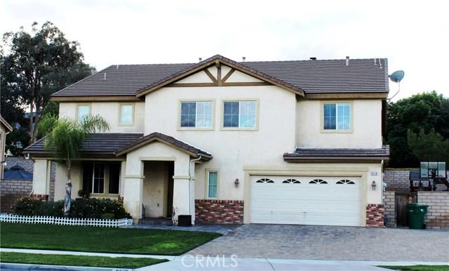 1078 Benedict Circle, Corona CA: http://media.crmls.org/medias/f04395b8-6a3c-47b5-9a52-12df4011de79.jpg