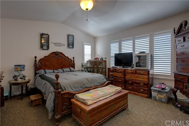 3724 Fallview Avenue, Ceres CA: http://media.crmls.org/medias/f043f35a-fa3d-47a4-8ee2-034dbd437074.jpg