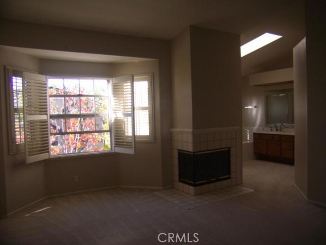 2300 Maple Avenue, Torrance CA: http://media.crmls.org/medias/f05ce3b6-6838-482a-a0c5-5aece62dc008.jpg