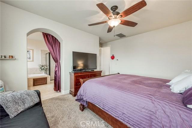 6062 N Torrey Pines Avenue, Fresno CA: http://media.crmls.org/medias/f0658c37-8b09-4b86-880f-1ce94f1abf5c.jpg