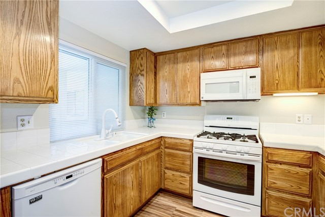 2512 E Willow Street 202 Signal Hill, CA 90755 is listed for sale as MLS Listing OC17076069