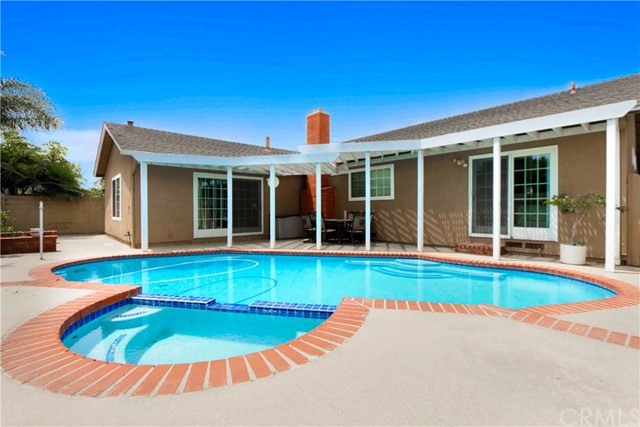 5882 Liege Drive Huntington Beach, CA 92649 - MLS #: OC18123550