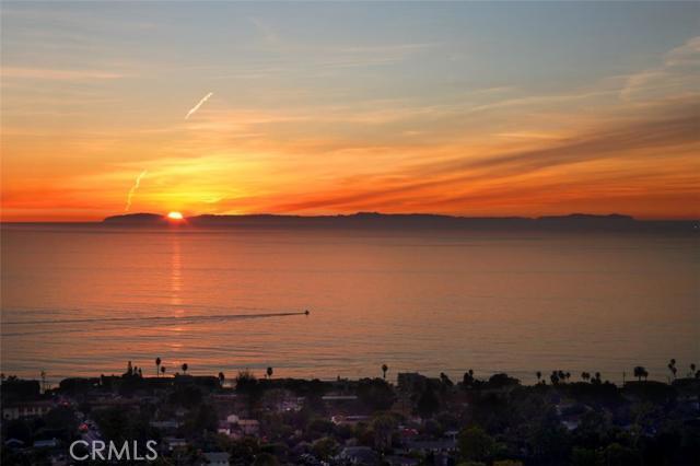 Single Family Home for Sale at 1141 Coast View St Laguna Beach, California 92651 United States