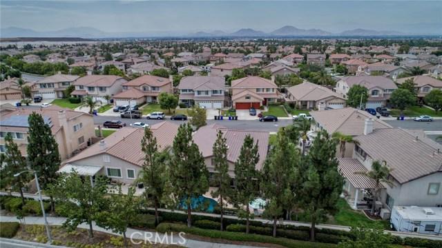 16696 Almaden Drive, Fontana CA: http://media.crmls.org/medias/f096418e-61bd-4cad-ba95-5f1bd5ed7823.jpg