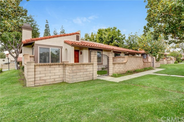 Detail Gallery Image 1 of 1 For 7921 Adriano Pl, Rancho Cucamonga,  CA 91730 - 2 Beds   2 Baths