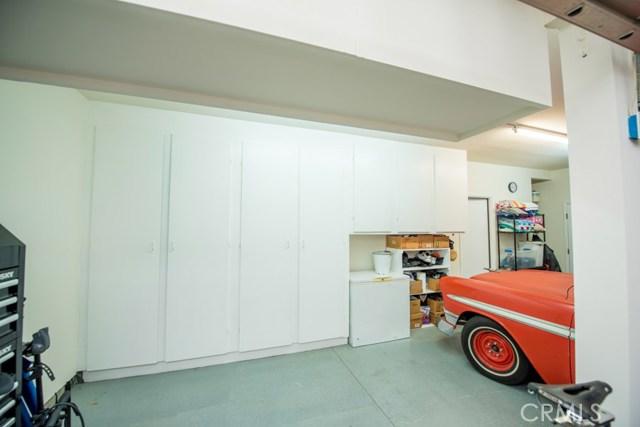16252 Phidias Lane, Chino Hills CA: http://media.crmls.org/medias/f0bb000f-5f22-4bdc-9f14-70ad31669639.jpg