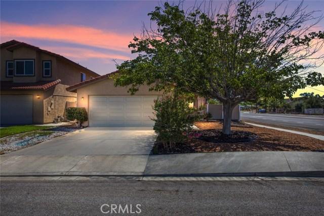 7589 Villa Avenue, Highland CA: http://media.crmls.org/medias/f0bd491e-e6c5-4aaa-9416-40696c2fdc8b.jpg