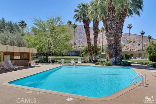 72783 El Paseo, Palm Desert CA: http://media.crmls.org/medias/f0c2fdaf-a6d4-4528-a876-0d38d989d9ea.jpg