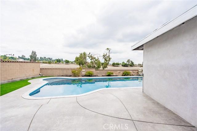 1730 La Mesa Oaks Drive, San Dimas CA: http://media.crmls.org/medias/f0c4badc-aba5-4e4b-95ff-ab8fabacef7d.jpg