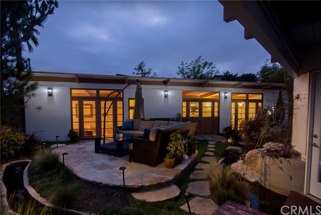 7107 Pacific View Drive, Los Angeles CA 90068