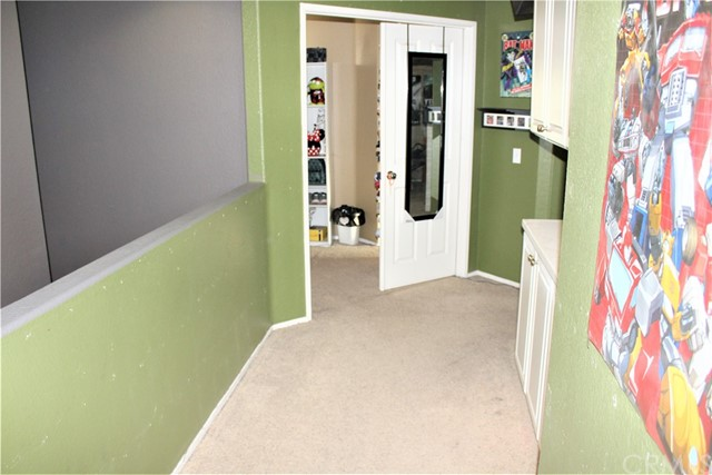 16045 White Mountain Place, Victorville CA: http://media.crmls.org/medias/f0d298eb-b75e-452f-b88a-8065c6fdd2be.jpg