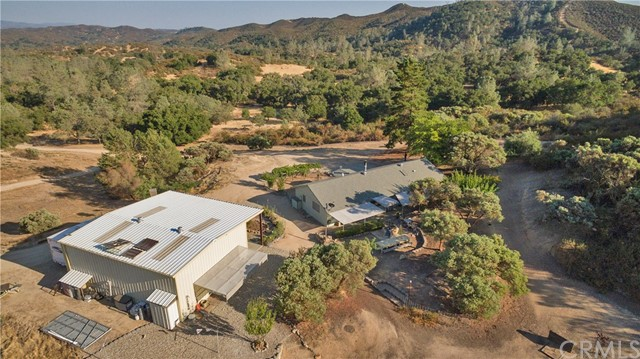 Property for sale at 8100 Rocky Terrace Way, Creston,  CA 93432