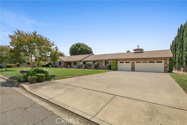4541 Mustang Road, Chino CA: http://media.crmls.org/medias/f0f6fdc9-90ba-4e50-8957-4fb6a1f55836.jpg