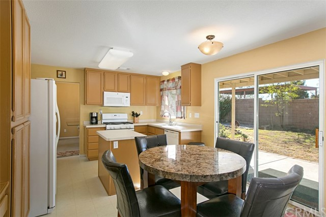 27891 Wintergrove Way, Murrieta CA: http://media.crmls.org/medias/f0fb8bbf-f136-439c-87dc-2c1db8bd6894.jpg