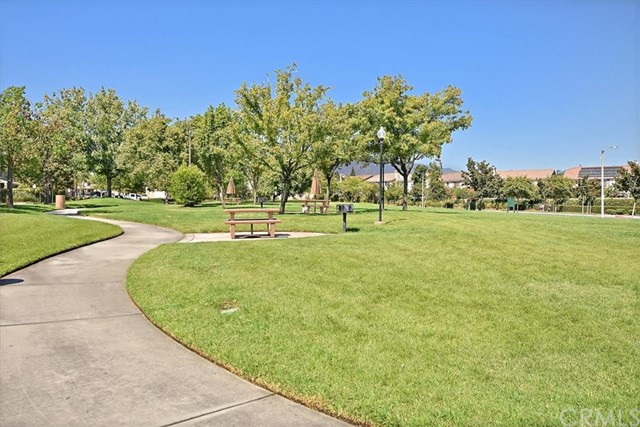 7695 Massachusetts Place, Rancho Cucamonga CA: http://media.crmls.org/medias/f104ddea-bf9b-4cc9-a170-1863ac261163.jpg