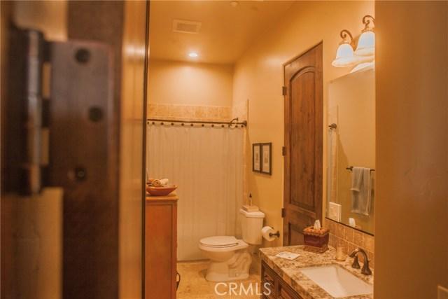 5130 W Failte Court, Atwater CA: http://media.crmls.org/medias/f107b032-3387-47d3-9384-2dae150cc59a.jpg