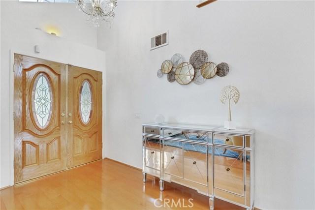 房产卖价 : $93.80万/¥645.00万