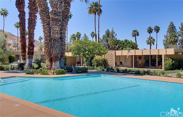 72783 El Paseo, Palm Desert CA: http://media.crmls.org/medias/f1110bd1-8ad2-4c78-bb12-8b9baa8e847d.jpg
