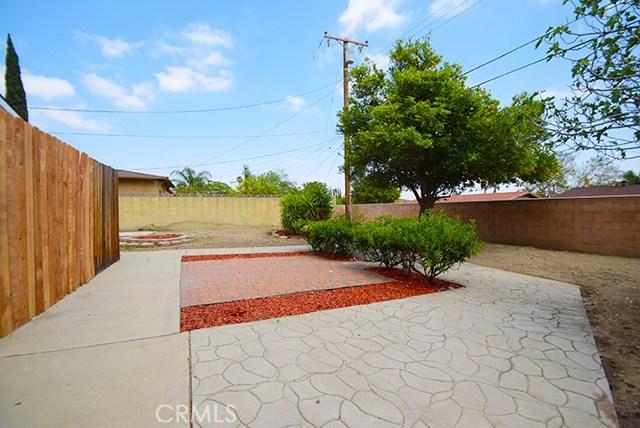17585 Vine Street, Fontana CA: http://media.crmls.org/medias/f1130e58-e249-4d54-a390-7524493924b0.jpg