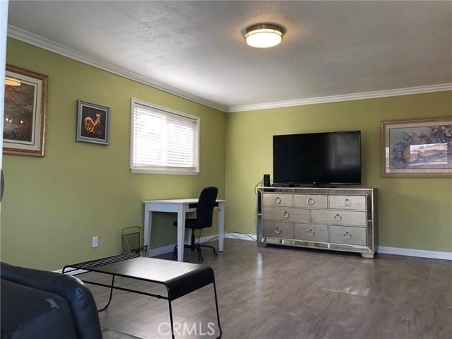 1300 Primrose Street, Upland CA: http://media.crmls.org/medias/f1137ea2-cd16-4782-8a49-6361f2f599ad.jpg
