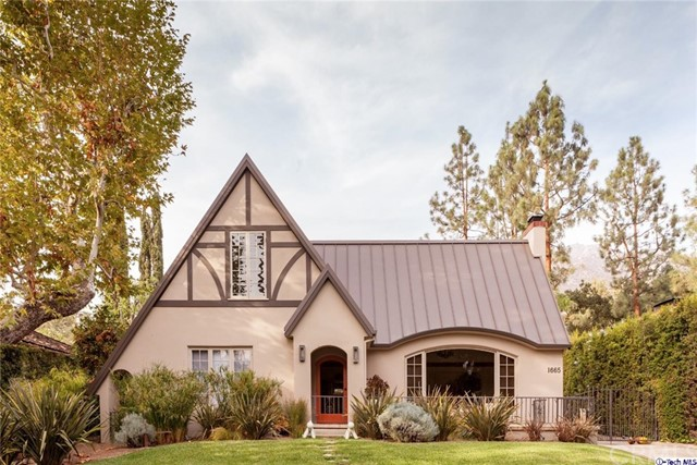 Single Family Home for Sale at 1665 Braeburn Road Altadena, California 91001 United States
