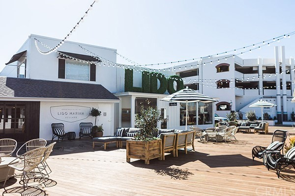 215 29th Street, Newport Beach CA: http://media.crmls.org/medias/f1377e2f-64a1-4303-aa84-8feaaf00e9cb.jpg