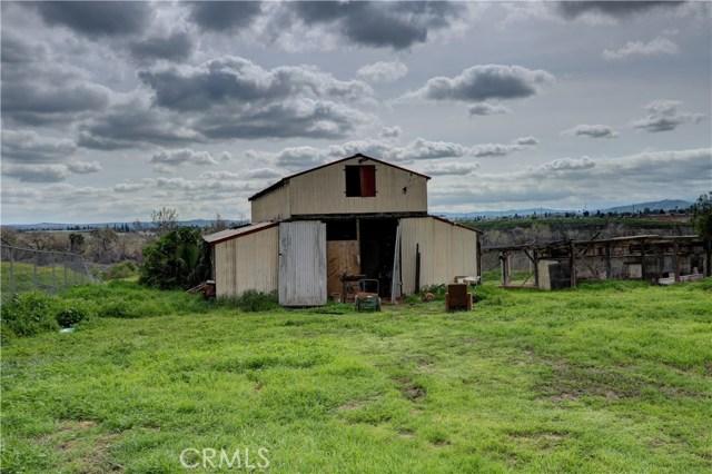 6880 Riverdale Place, Jurupa Valley CA: http://media.crmls.org/medias/f156fefe-8dd1-42be-81ca-d5d9b156e327.jpg