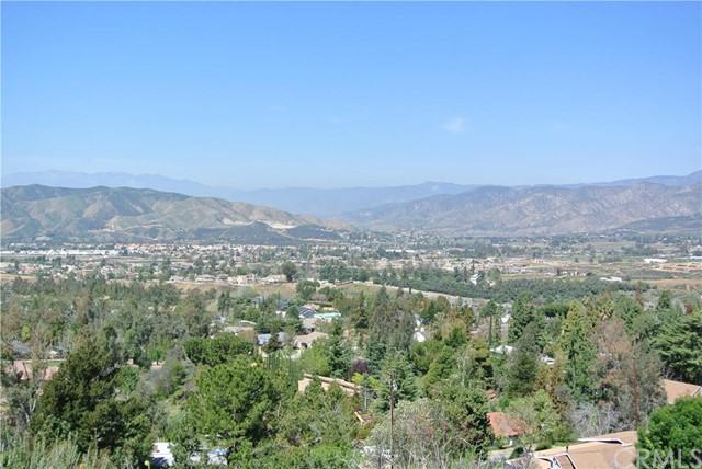 Single Family for Sale at 11633 Chalen Way Yucaipa, California 92399 United States