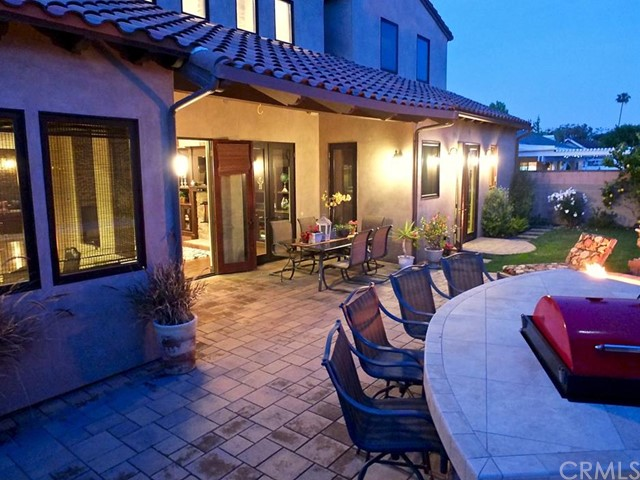 Single Family Home for Sale at 2712 Silverwood St Rossmoor, California 90720 United States