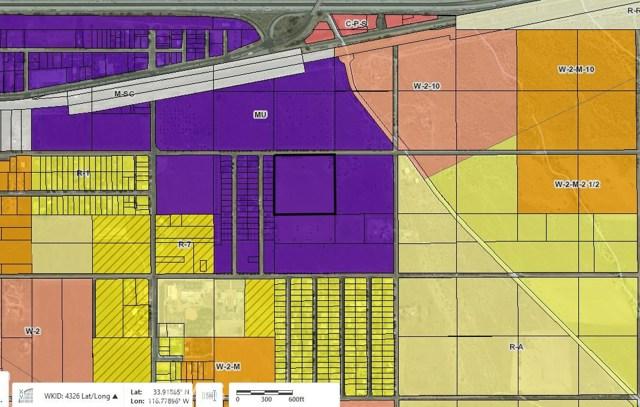 10 Bonita Avenue, Cabazon CA: http://media.crmls.org/medias/f166d44c-450f-457d-938b-f66a068c8c46.jpg