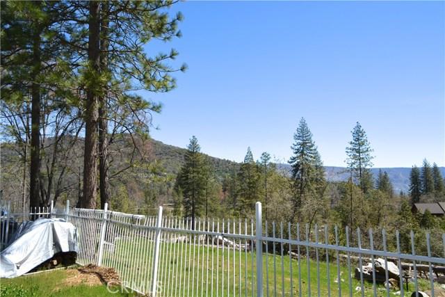 34953 Church Ranch Road, North Fork CA: http://media.crmls.org/medias/f16c1d06-d98d-4f6e-8f63-b18cce80536e.jpg