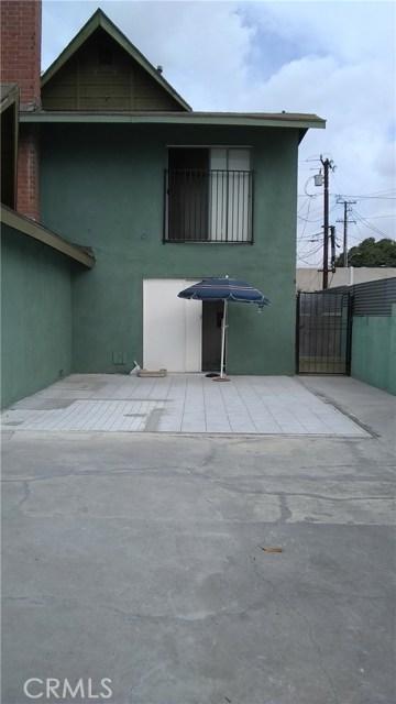 3205 Seminole Avenue, South Gate CA: http://media.crmls.org/medias/f16f4e14-5298-4453-9591-7339fbeaac97.jpg